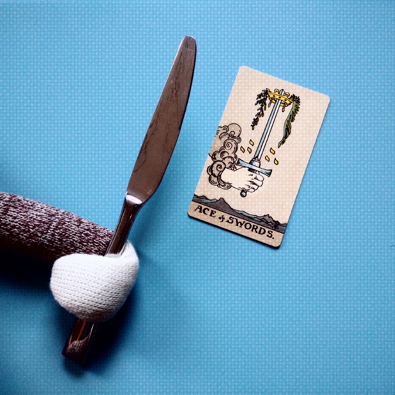 tarot cards   The Fallen Monkey